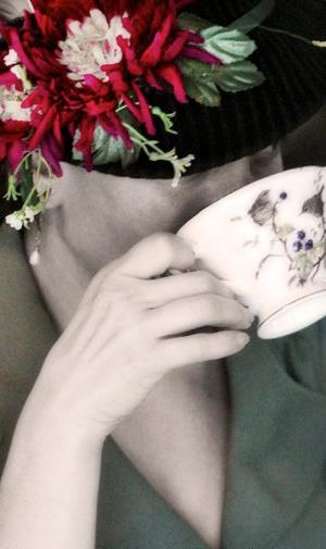 Little Lady Burlesque - Tea