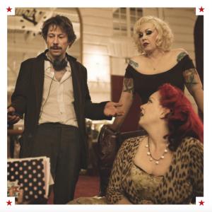 Mathieu Amalric con Mimi Le Meaux e Dirty Martini
