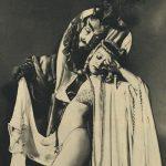 Dagmar (ovvero Virginia Blair), burlesque performer ritratta nell'uscita di gennaio 1951 di Carnival Magazine