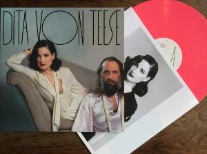 Il disco di Dita von Teese e Sébastien Tellier