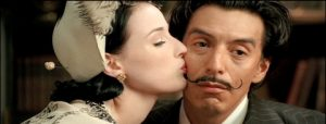 Dita von Teese nel cortometraggio The Death of Salvador Dali