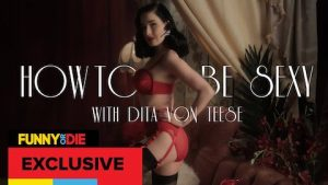 Dita von Teese nel cortometraggio How to be Sexy