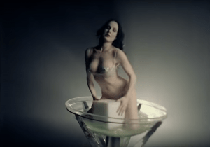 Dita von Teese nel video mOBSCENE di Marilyn Manson