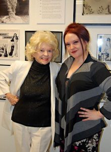 Dixie Evans e Holli Mae Johnson nel 2011
